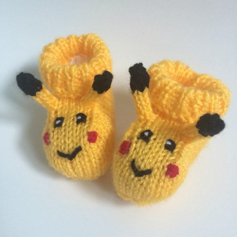 2e6e7410ae83f Pikachu bébé en tricot chaussons pokemon bébé cadeau fille