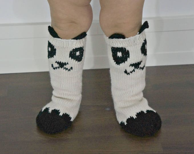 KNITTING PATTERN - Little Panda Socks