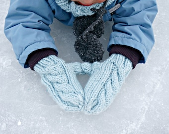 KNITTING PATTERN - The Frosty Mittens