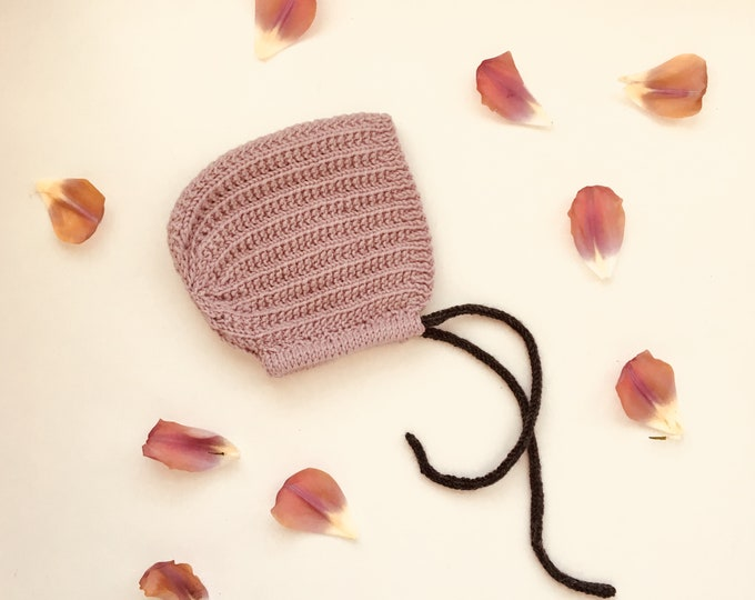 KNITTING PATTERN - the knitted Luna baby bonnet