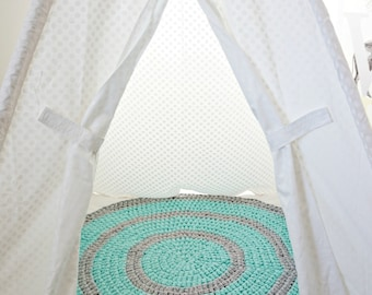 Stripes - crocheted nursery area rug in Mighty Mint and Silver