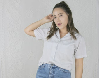 60s 70s White Button Down Blouse // Vintage Short Sleeve Collared Top Work Shirt // Size: M