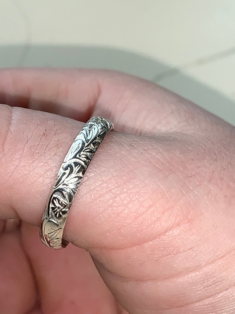 Sterling silver pattern band