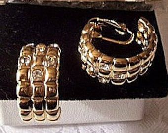 Avon Square Box Crystal Hoops Clip On Earrings Gold Tone Vintage 1992 Dazzling Open End Wide Windowpane Band