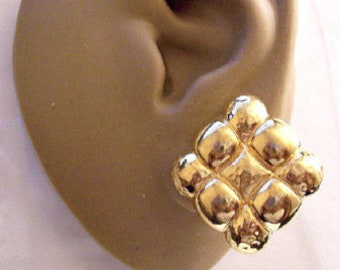 Monet Puffed Diamond Clip On Earrings Gold Tone Vintage Large Ribbed Hammered Smooth Squares Comfort Paddles Brushed Back Discs