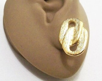 Napier Locked Links Pierced Post Stud Earrings Gold Tone Vintage Textured Open Oval Flat Band Discs