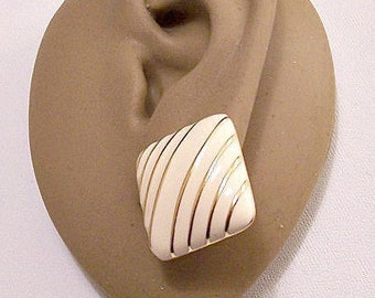 Monet Beige Square Pierced Stud Earrings Gold Tone Vintage Slant Striped Domed Buttons Surgical Steel Posts