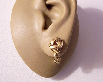 Monet Small Knot Clip On Earrings Gold Tone Vintage Wrapped Bevel Polished Bands Comfort Paddles
