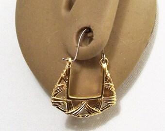 Avon Basket Weave Hoop Pierced Stud Wire Earrings Gold Tone Vintage 1991 Open Slotted Ribbed Braided Dangles Surgical Steel Posts