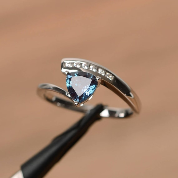 alexandrite ring heart cut engagement ring double band silver ring color change gemstone ring June birthstone ring