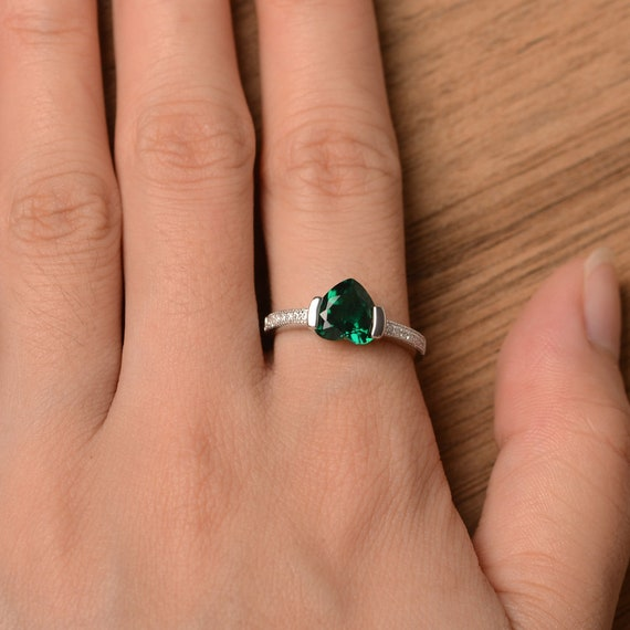 Emerald engagement ring Party Ring MIA minimalist Green Emerald Ring,Sterling Silver Cocktail Ring May birthstone Green gemstone ring