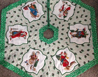 Quilted Christmas tree skirt with old world style Santas, quilted & handmade