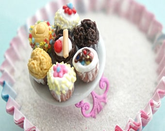 cupcake plate ring- miniature food jewelry, cupcake jewelry, food ring