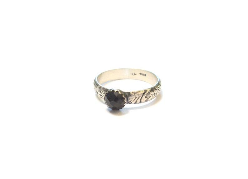 Onyx Black Ethnic Ring Masiif Silver