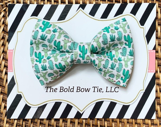 Cactus Dog Bow Tie, Cactus Print, Texas, Dog Mom Gift, Pet Gifts, Gifts for Dog Lovers, Dog Bowtie, Dog Gifts