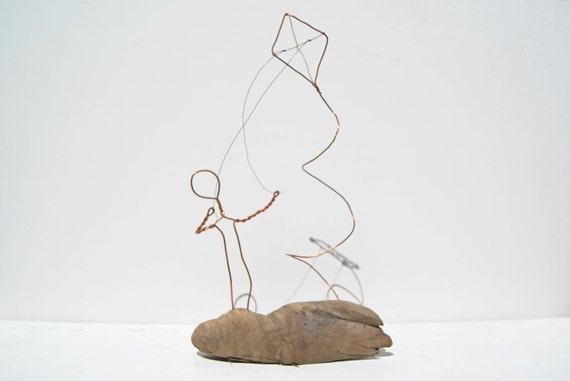 Treibholz Drachensteigen Figur Skulptur. Drahtkunst. Kupfer | Etsy