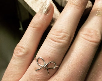 Feminine Bow Ring // Cute Ring with Bow // (Gold plated) Sterling Silver