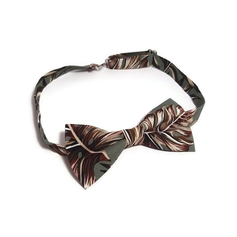 Sage green Palm leaves NEW floral bow tie hanky