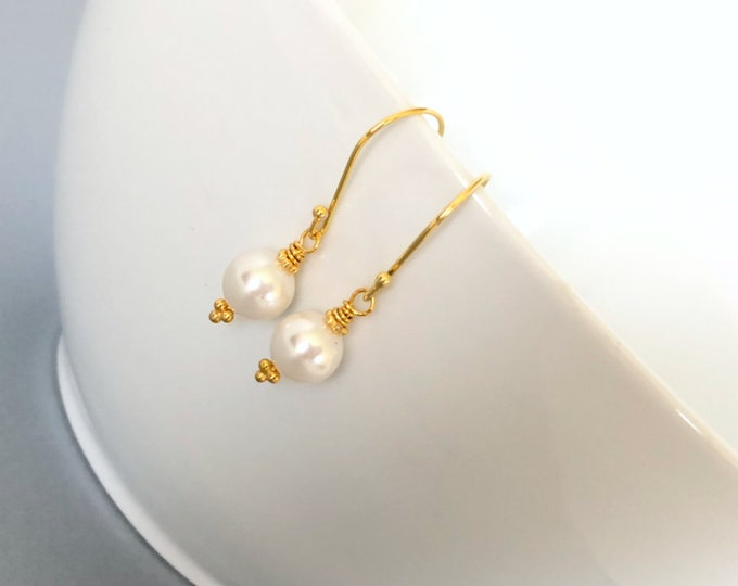 Simple Pearl Gold Earrings