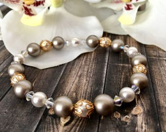 Platinum and White Swarovski Pearl and Crystal Bracelet, Bridal Bracelets, Gifts for Her, Wedding Jewelry,Pearl Bracelet, Bridesmaid Gift