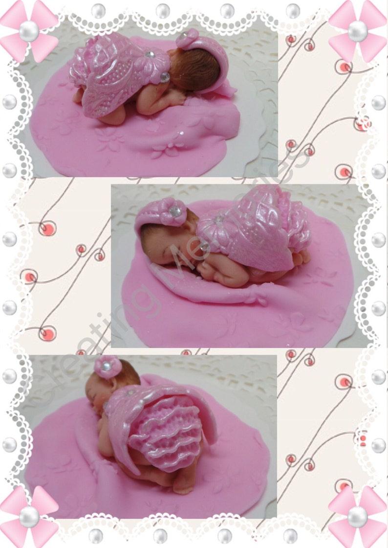 8b9a6b31b Bebé con un conjunto rosado vestido  Baby Shower First
