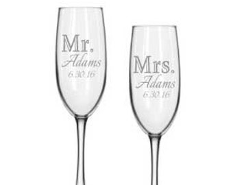 Bride and Groom Toasting Glasses - Wedding Champagne Flutes - Personalized Wedding Toasting Glasses - Champagne Glasses Bride and Groom