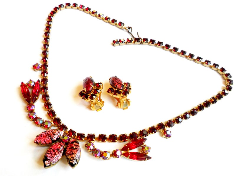 Vintage Pink Black Rhinestone Necklace  Clip On Earrings  image 0