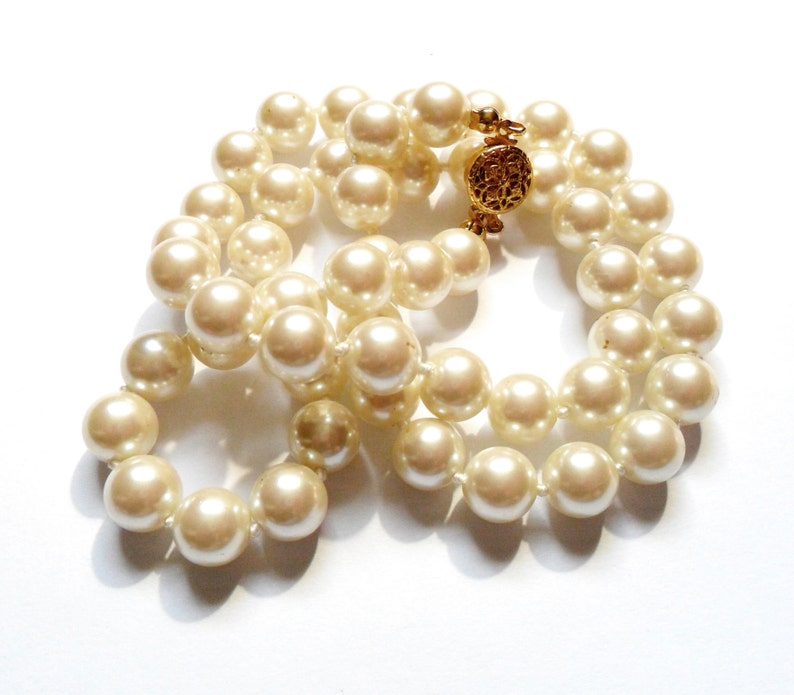Vintage Faux Pearl Necklace Gold Tone Filigree Clasp image 0