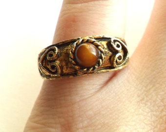 Vintage Tiger Eye Ring - Adjustable - Tigers Cats Eye - Gold Tone Heart - Boho Bohemian - 1970s Style - Vogue Signed Marked