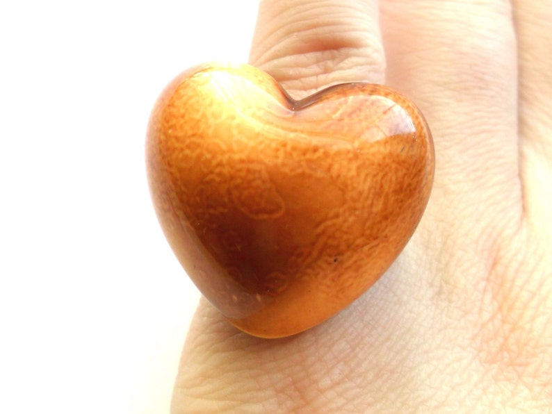 Vintage Brown Heart Ring Size 7 Acrylic Plastic Glazed Look image 0