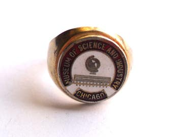 Vintage Souvenir Ring Chicago Museum of Science and Industry Illinois IL Adjustable Gold Tone Enamel Red White Kitsch Retro Travel Gift