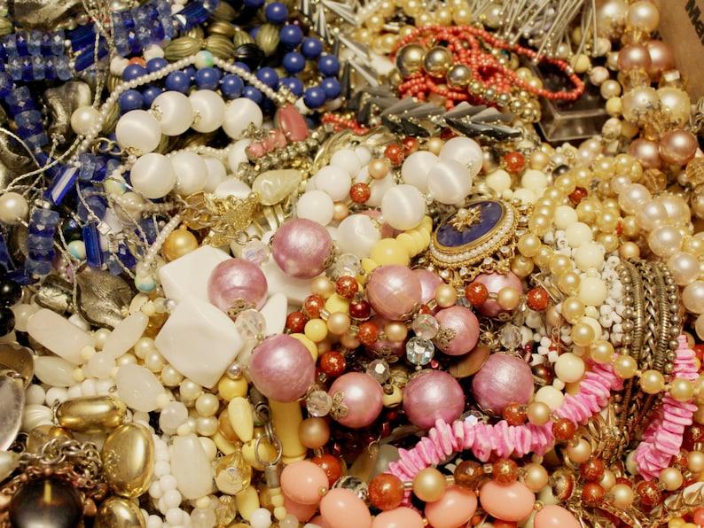 Vintage Jewelry Mystery Destash Grab Bag Lot Assemblage Wear image 0