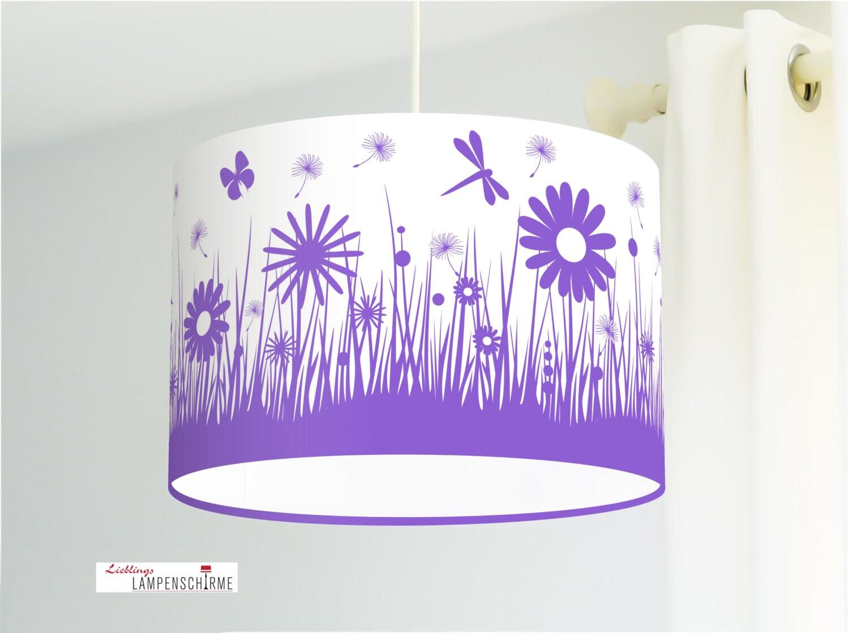 lampe f rs kinderzimmer und m dchen mit blumen in lila aus. Black Bedroom Furniture Sets. Home Design Ideas