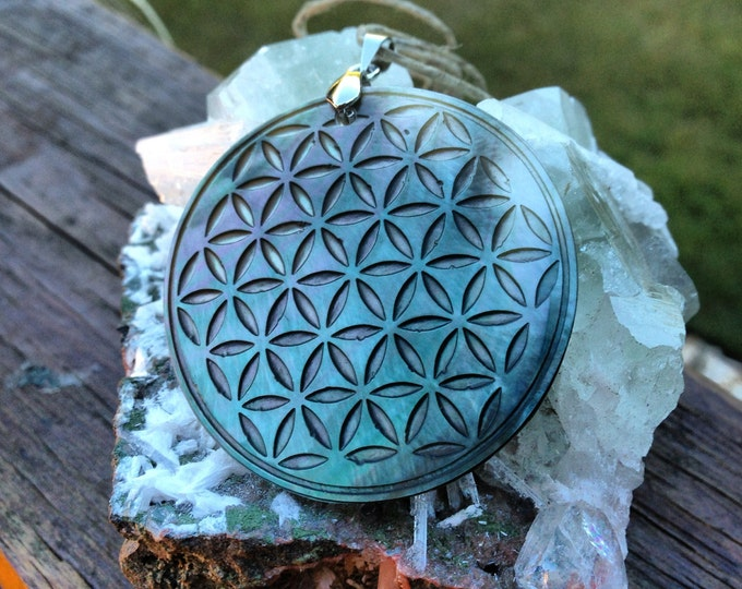 Mother Of Pearl Flower Of Life Pendant