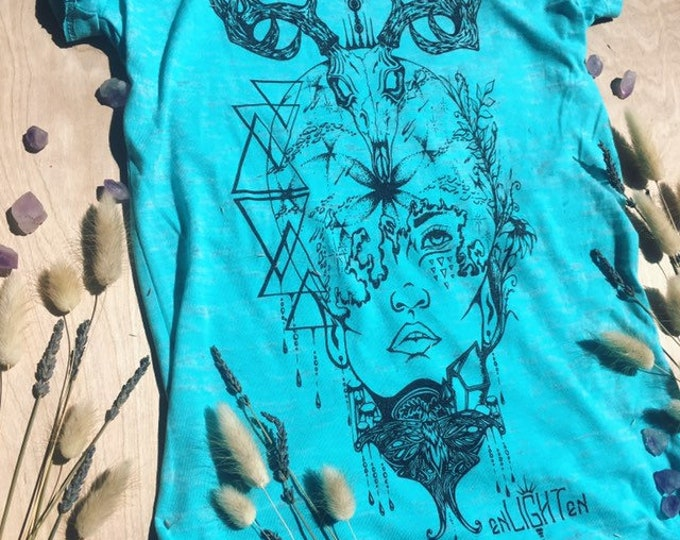 Natural Mystic Burnout Tee Hand Drawn By Artist Melanie Bodnar With Enlighten Clothing Co Sacred Geometry Crystals Skulls Flowers Moths