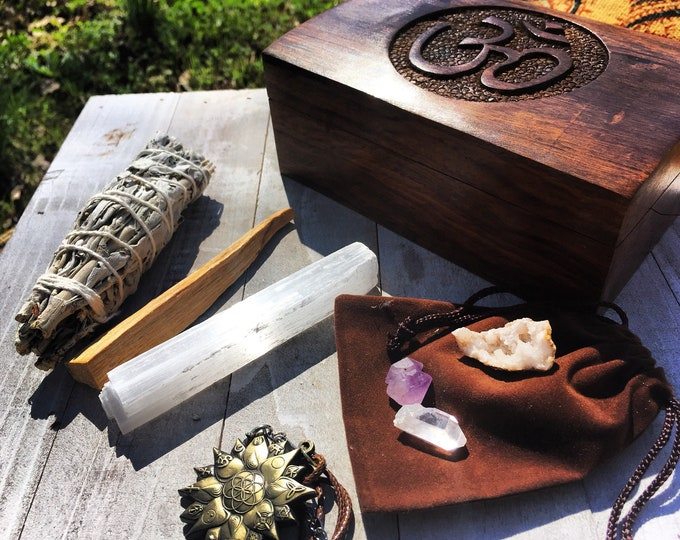 Om Sage Palo Santo Crystals Gift Box Set By Enlighten Clothing Co
