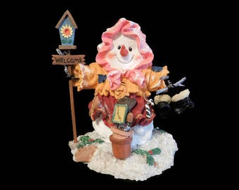 Cute, Vintage Snowman Statue Holding a Birdhouse Welcome Sign, Made of Resin - Vintage Snowmen, Collectible Snowman, Winter Decor, Statues
