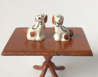 Miniature Dollhouse Or Roombox oranmental dogs 1:24 scale half scale