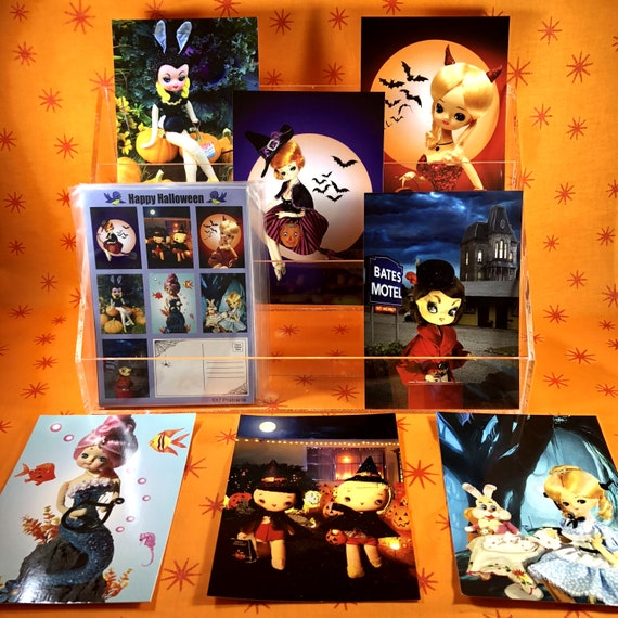 4 Pack of 4X6 Halloween Photo Greeting Cards featuring Vintage Japanese Pose Dolls Dressed up In Spooky Halloween Scenes.