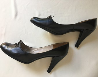 e74b6652b093 1950s CHRISTIAN DIOR Souliers Black Leather Heels - Size 7 - New Look