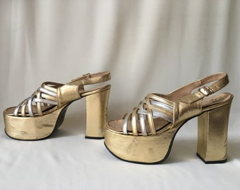 8fcdadd07 60s/70s Gold and Silver Leather Platform Heels/Sandals – Size 7B – Glam Rock