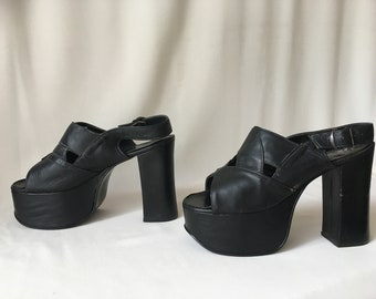 d63f7461d 60s/70s Black Leather Platform Heels/Sandals – Size 6.5B – Glam Rock