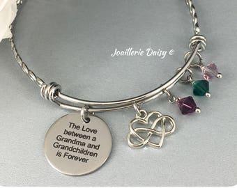 Gift for Grandma Bangle Bracelet The Love between a Grandma and Grandchildren is Forever Grandmother Birthday Gift Idea Charm Bracelet