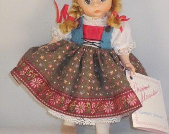 Austria 532 - Madame Alexander Miniature Showcase International Doll - 1987