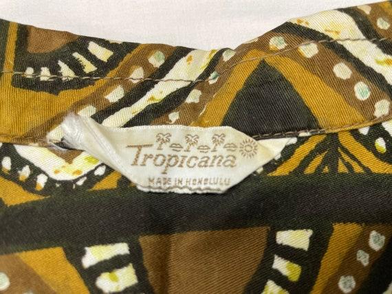 Vintage Hawaiian Tiki Shirt M ~ LOOP COLLAR 50s 6… - image 3