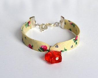 Star Bracelet using Strawberry Red