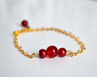 Hearts and red beads chain bracelet