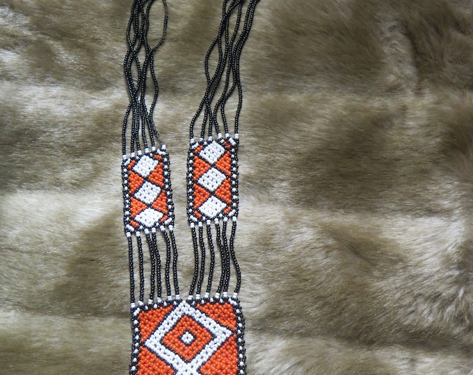 Vintage Beautiful Native American Tribal pattern Sautoir Beaded Loom Necklace