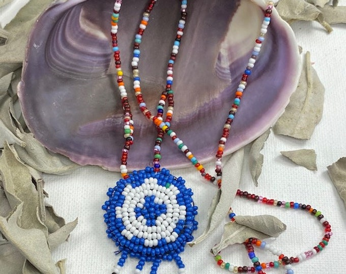 Native American Indian Glass Seed Bead Souvenir Medallion Necklace