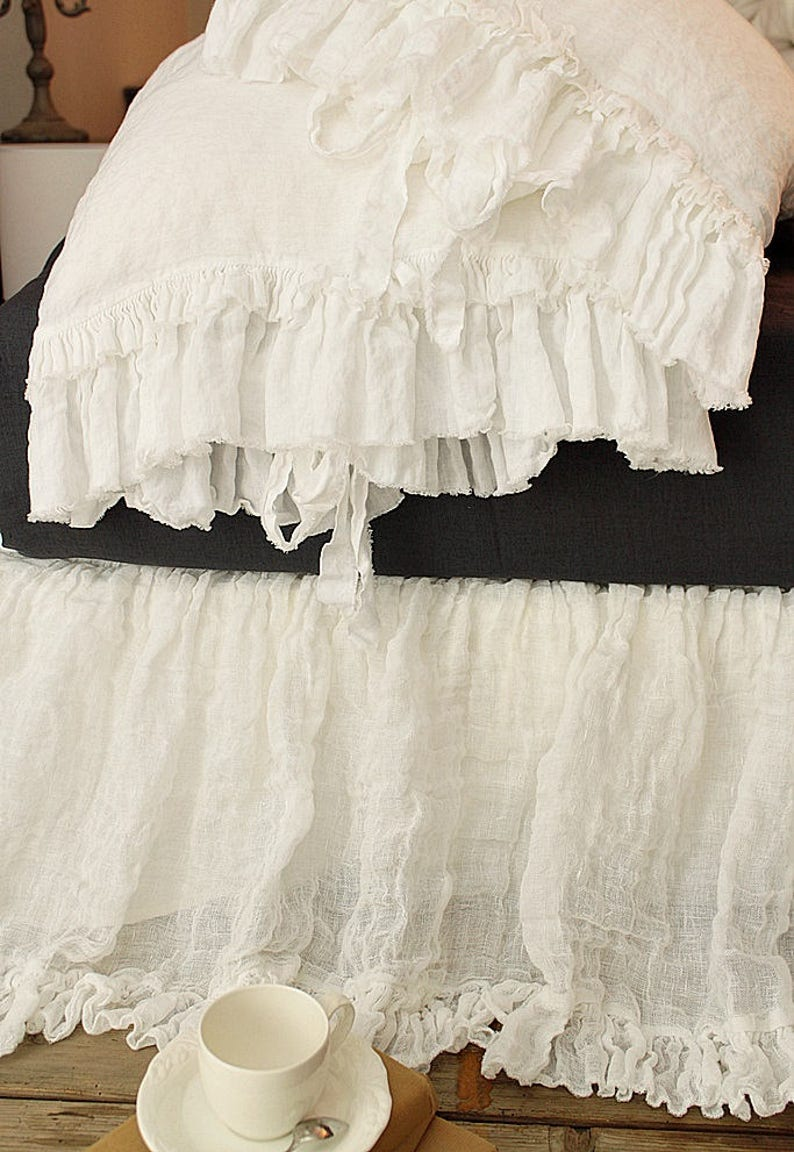 Linen pillowcase 'Sauvage' with double frayed ruffles image 0